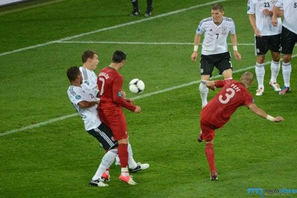 Финала португалия испания кадр 1