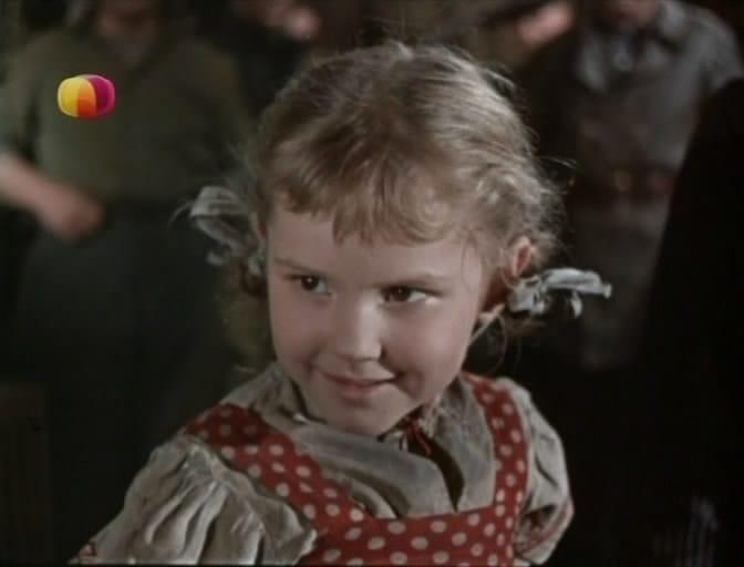 Девочка ищет отца кадр 1