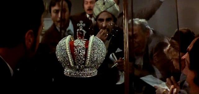 Корона Российской империи, или снова неуловимые кадр 2