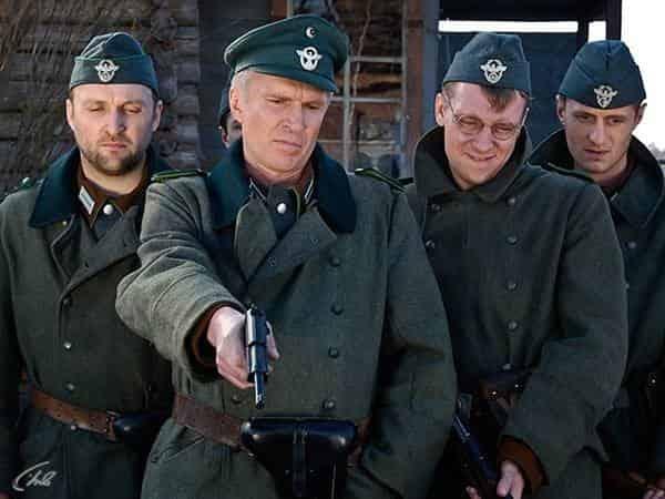 1942 1 серия в 14:03 на Звезда