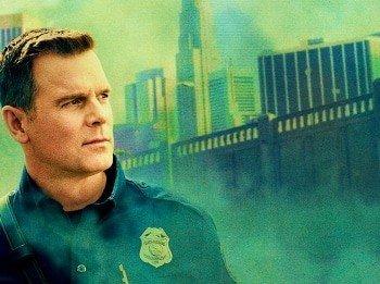 программа FOX: 911 служба спасения Пригвоздились