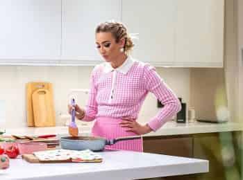 Бузова на кухне 3 серия в 10:00 на ТНТ
