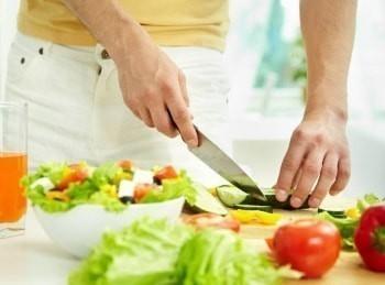 Дежурный-по-кухне-Рисовые-котлеты-с-овощами-и-грибным-соусом-Морковно-имбирное-суфле