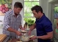 Домашний ужин с Джейми Дином 1 серия Мамин огород в 17:15 на канале