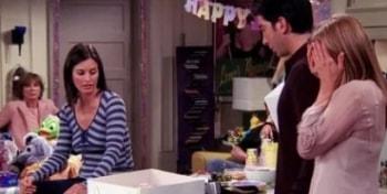программа Супер: Друзья Эпизод с прощальной вечеринкой Рэйчел