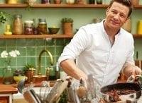 Джейми Оливер: Супер еда 1 серия в 15:00 на канале