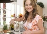 программа Food Network: Джиада у себя дома 14 серия Выпечка для распродажи