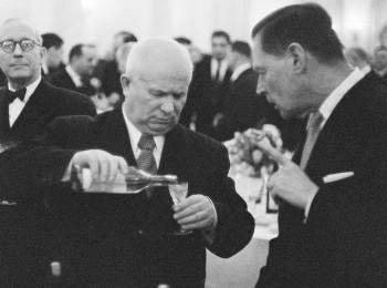 программа Первый канал: Как Хрущев покорял Америку
