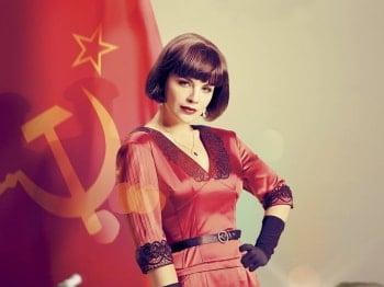 программа Первый канал: Красная королева 5 серия