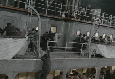 кадр из фильма Переправа