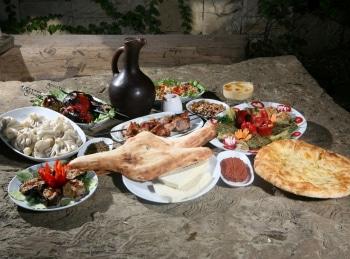 программа Кухня ТВ: Песня грузинской кухни Лобиани, чашашули из телятины и хумус по грузински