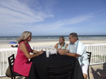программа TLC: Пляжный вопрос Лето в Хэмптон Бич