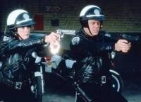 Полицейская академия 2: Их первое задание в 14:19 на РЕН ТВ