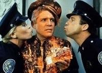 Полицейская академия 6: Осажденный город в 21:18 на РЕН ТВ