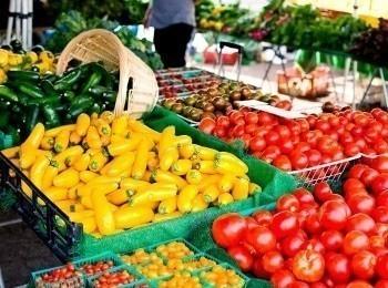 программа Кухня ТВ: Продуктовые рынки: в сердце города Амстердам