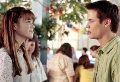 кадр из фильма Спеши любить