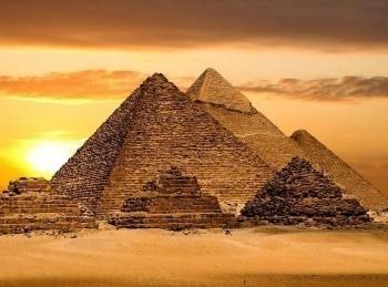 Тайны Великой пирамиды Гизы в 20:45 на канале Культура