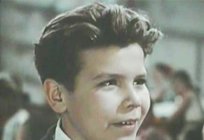 кадр из фильма Улица младшего сына