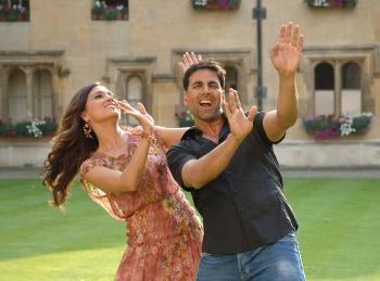 программа Bollywood: В бегах