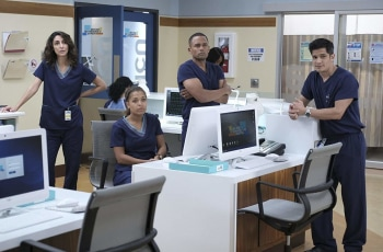 программа Amedia Premium: Хороший доктор 9 серия