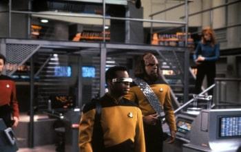 программа Sony Sci-Fi: Звездный путь: Следующее поколение Темная страница