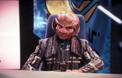 Звёздный путь: Следующее поколение Слуга народа в 00:10 на Sony Sci-Fi