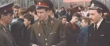 Делай - раз! фильм (1990), кадры, актеры, видео, трейлеры, отзывы и когда посмотреть | Yaom.ru кадр
