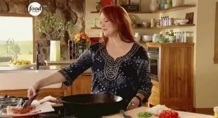 программа Food Network: Из города на ранчо Вкусные рецепты от Ри 3 серия Посылка с гостинцами