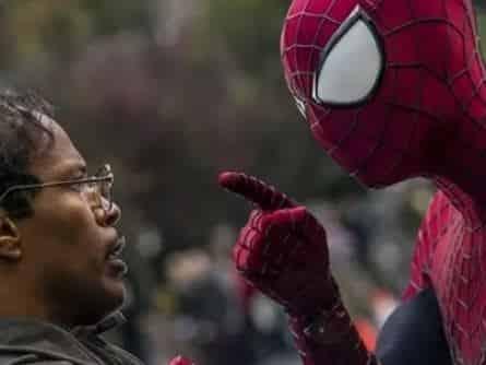 Новый Человек паук: Высокое напряжение в 01:00 на канале
