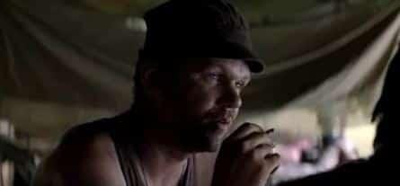 Тонкая красная линия фильм (1998), кадры, актеры, видео, трейлеры, отзывы и когда посмотреть | Yaom.ru кадр