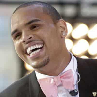 Певца Криса Брауна приговорили к году тюрьмы
