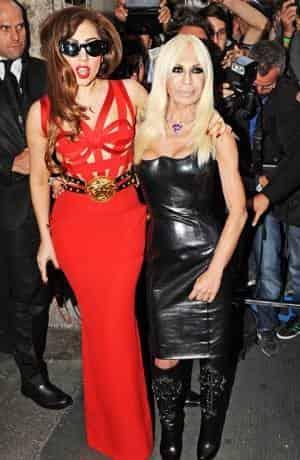Креативная Леди Гага сыграет сестру убитого Джанни Версаче