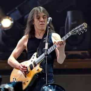 Группа AC/DC потеряла участника