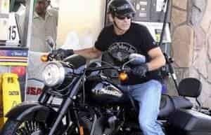 Джордж Клуни остался жив после тарана Мерседеса