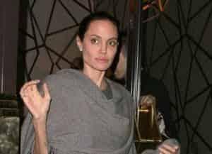Измождённая Анджелина Джоли