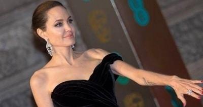 Анжелина Джоли уехала в Нью Мексико и забрала с собой детей