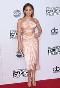 Дженнифер Лопес готовится к церемонии American Music Awards
