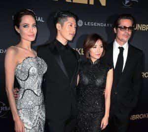 Анджелина Джоли и Брэд Питт впервые вышли в свет после свадьбы