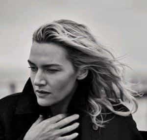 Кейт Уинслет блеснула в стильной фотосессии