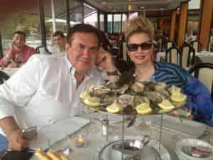 Лена Ленина заставляет супруга ревновать