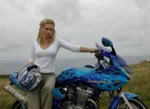 Лена Ленина прокатилась по Европе на мотоцикле