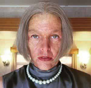 Милла Йовович превратилась в старуху