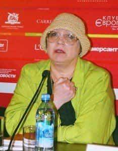 Нина Русланова успешно справилась с инсультом и последствиями