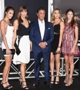 Сильвестр Сталлоне вышел в свет с красавицами-дочерьми