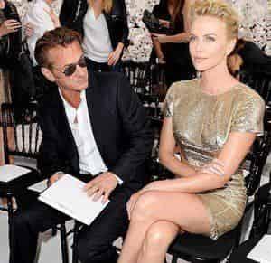 Шарлиз Терон и Шон Пенн модничают в Париже