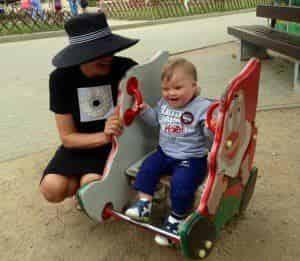 Эвелина Бледанс отправила сына в детский сад