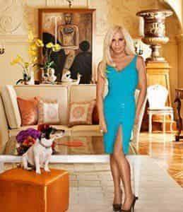Донателла Версаче черпает вдохновение в своем питомце