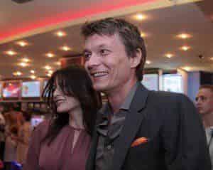 Филипп Янковский пришел на премьеру жены в свой день рождения
