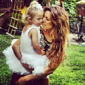 Дочь Седоковой стесняется мать