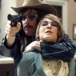 Итан Хоук завоевывает дружбу и любовь заложников в трейлере Однажды в Стокгольме (Видео)
